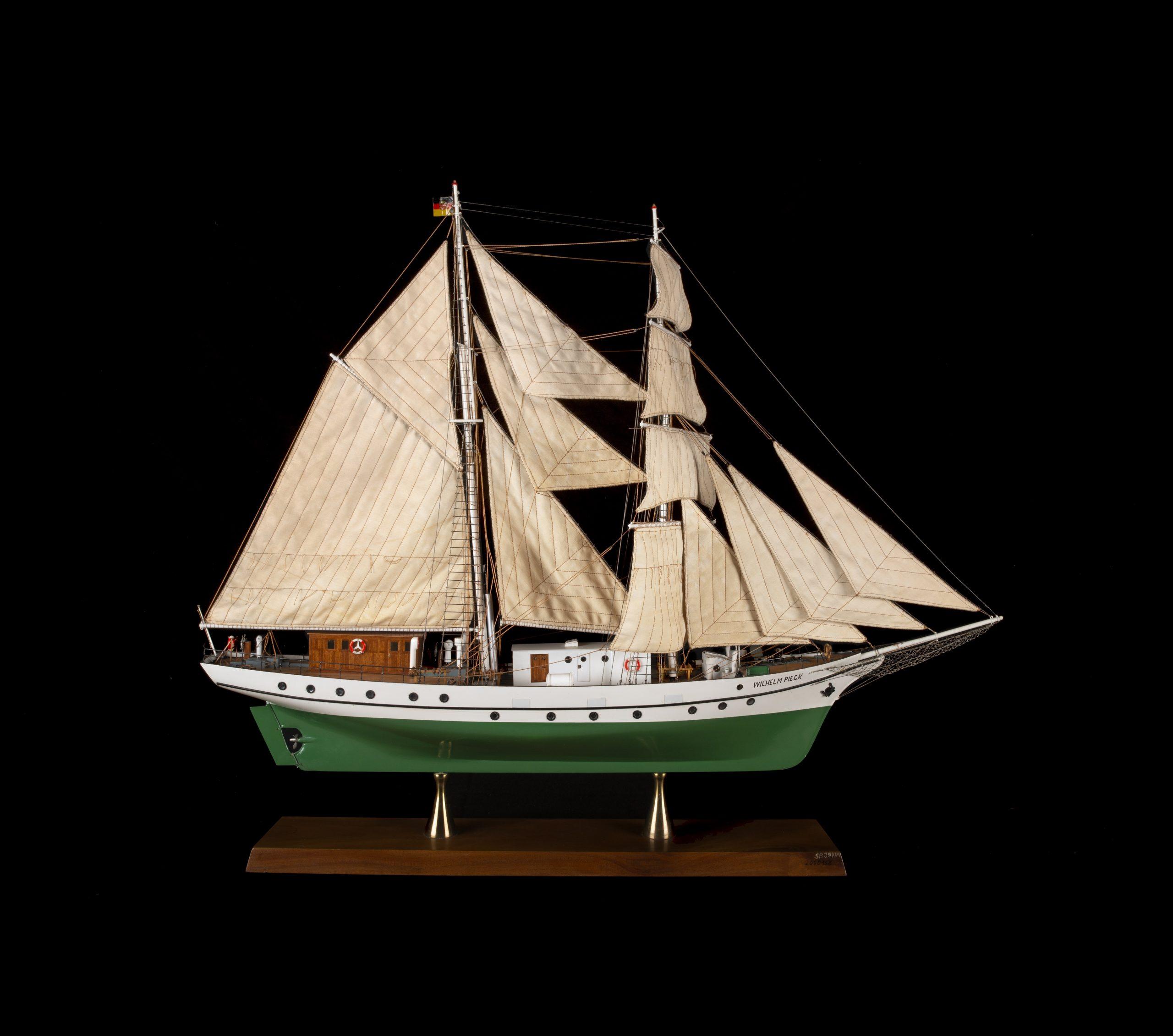 Schifffahrtsmuseum Rostock sucht Zeitzeugen